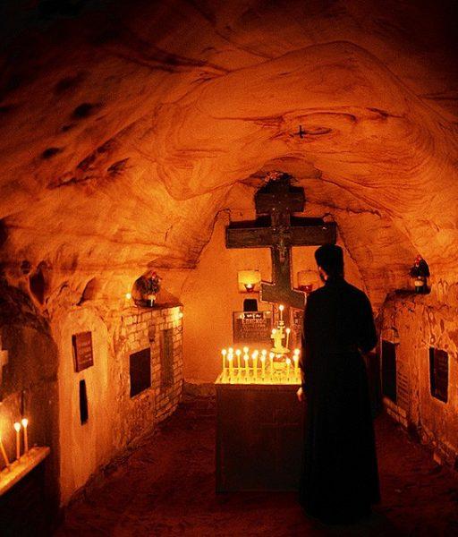 Чаю воскресения мертвых и жизни будущаго века